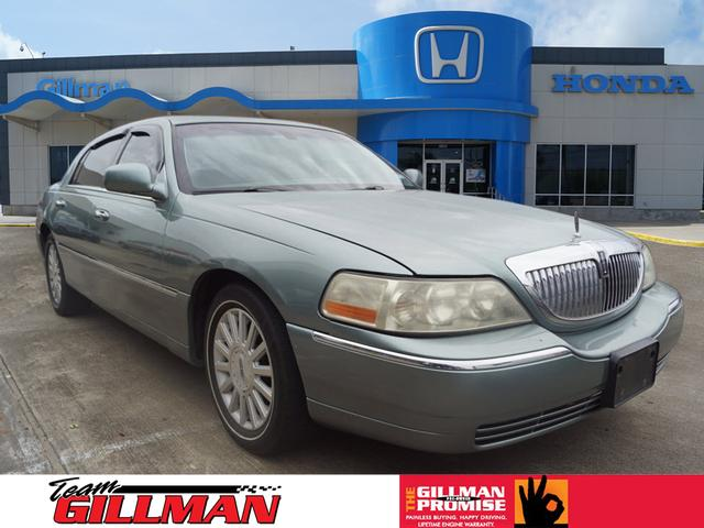 Pre Owned 2004 Lincoln Town Car Sedan In Rosenberg R181243b